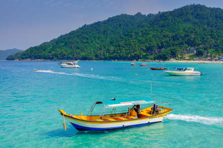 Perhentian Island, Malaysia - August 15th, 2018 : Beautiful beach view and boats in Perhentian Besar, Perhentian Island, Terengganu, Malaysia 에디토리얼