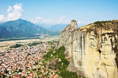 kalambaka: Cityscape of Kalambaka with mountains from Meteora rocks