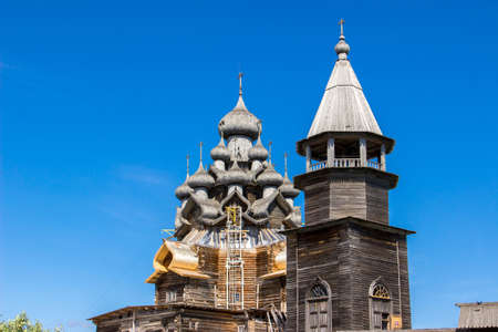 kizhi: Church of the Transfiguration and belfry at Kizhi pogost, traditional russian wooden architecture Stock Photo