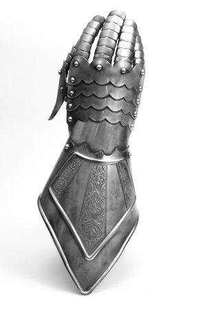 armour:  Hour-Glass Gauntlet (Finger Gauntlet)