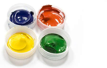 capacities: Paints in transparent capacities