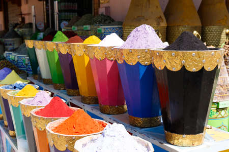 Colorful cooking Spices and flower in traditional local medina bazaar market in Marrakesh, Morocco Stok Fotoğraf