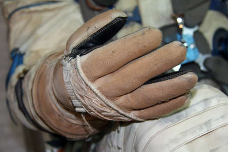 internet explorer: spacesuit glove for good protection of human in space
