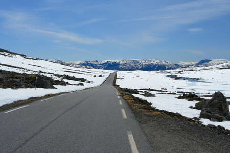 road at the norwegian mountains  photo