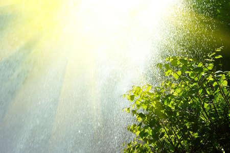 il pleut et le soleil brille Banque d'images