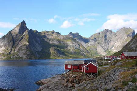 maison en bois à l'archipel des Lofoten, Norvège