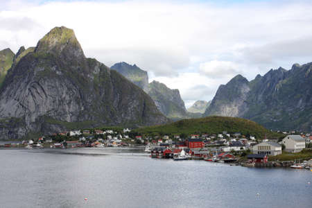 poling: Lofoten archipelago  -  view on the Reine