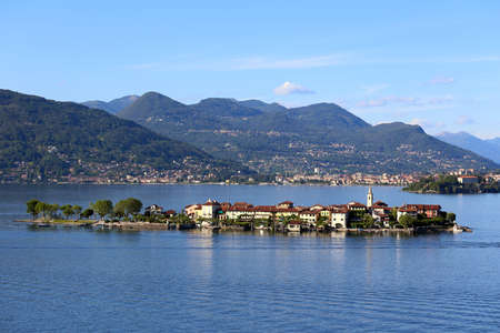 Blick auf den Lago Maggiore, Italien Standard-Bild - 23084603