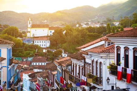 有名な歴史の町オウロ ・ プレットのミナス ・ ジェライス州、ブラジルの通り