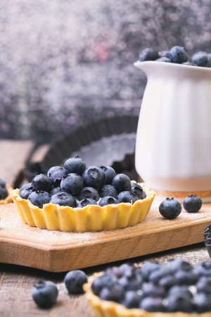 Delicious, useful and beautiful tartlets with blueberry 版權商用圖片