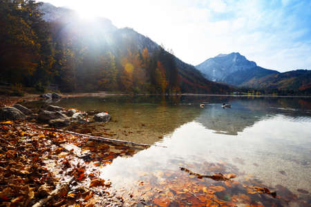 landscape with a beautiful mountain lake with reflection. autumn Imagens