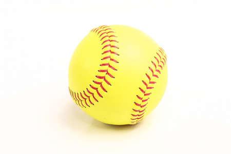 gele bal voor softbal wedstrijd