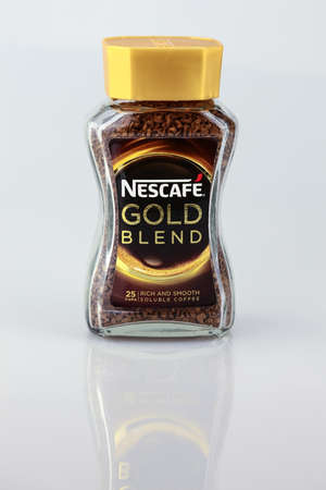KUALA LUMPUR, MALAYSIA - AUGUST  1ST, 2016: Nescafe Gold Blend instant coffee. 新聞圖片