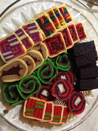 lapis: Kek Lapis Sarawak is a layered cake traditionally served in Sarawak Malaysia on special occasions. In the Malay language they are known as Kek Lapis Sarawak Kek Lapis Moden Sarawak Kek Sarawak or Kek Lapis. They are often baked for religious or cultural c
