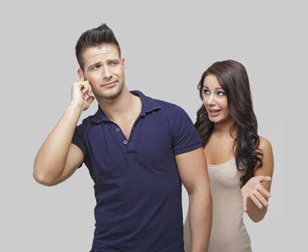 argumento: Malestar pareja a discutir entre sí