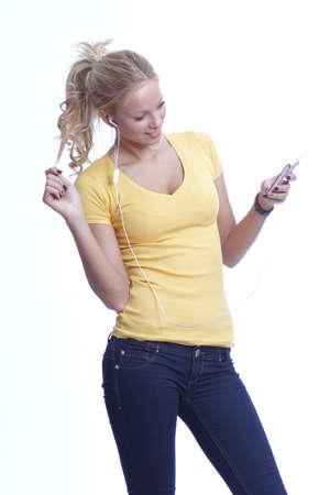 Tanzen Sch�nheit mit einem Musik-Player Lizenzfreie Bilder