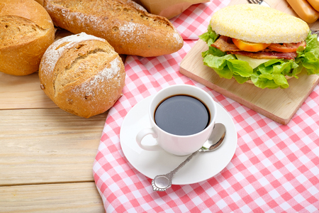 Coffee with breakfast On a wooden background Reklamní fotografie