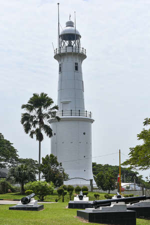 ghthouse located at Melawati Hill, Kuala Selangor, Malaysia. Bukit Melawati (Melawati Hill) at Kuala Selangor was the administrative center and stronghold of the Selangor Sultanate in the late 18th and early 19th century. A heavily fortified fort once sto Stock Photo