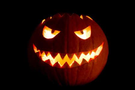 Halloween 2019 Pompoen.Round Halloween Pumpkin Smile With Hot Burning Fire Eyes