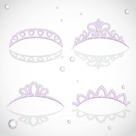 Brillantes elegantes tiaras violetas con diamantes y perlas Foto de archivo - 91050018