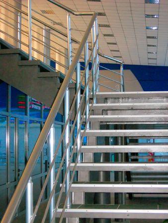 Modernas escaleras met�licas Foto de archivo - 4755211