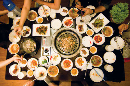 reunion dinner: Korean BBQ dining table Stock Photo