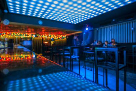 club de baile y entre hermosas luces Foto de archivo