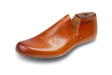 fabricate: Shoe form or last