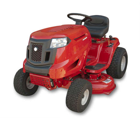 tondeuse: Red assis un tracteur de pelouse sur fond blanc, isol� avec ombre