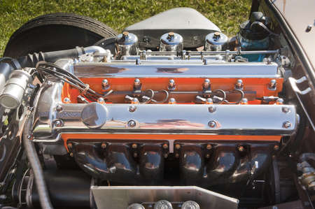 exhaust valve: Racing six cylinder engine from a British Jaguar