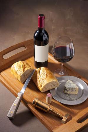 オランダのマスターのキャンバスの背景のワインとパンのまだ生命