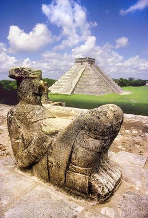 Chak Mul sacrificial statue of the Mayan at Chichen Itza  Stok Fotoğraf