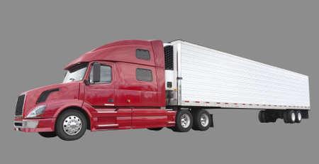 transporte de mercancia: Carga de camiones con la cara en blanco para la publicidad, aislado en gris Foto de archivo