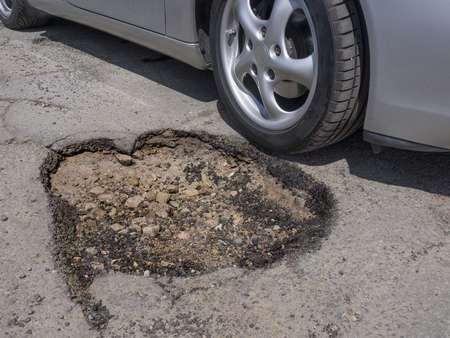 Pot hole avoidance concept