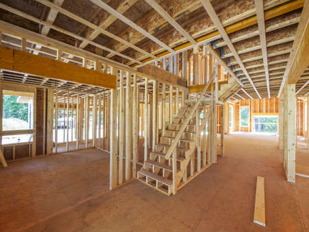 wooden beams: New house interior framing