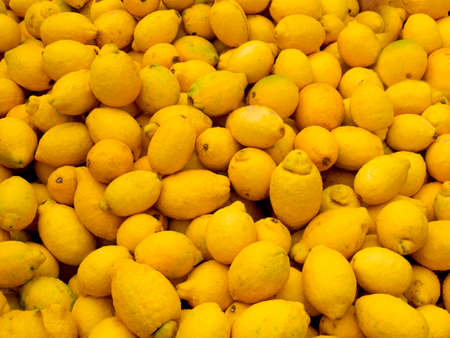 flaws: Organic lemons with natural flaws
