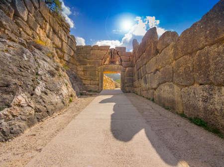 verjas: Puerta de los Leones en Micenas, Grecia Foto de archivo