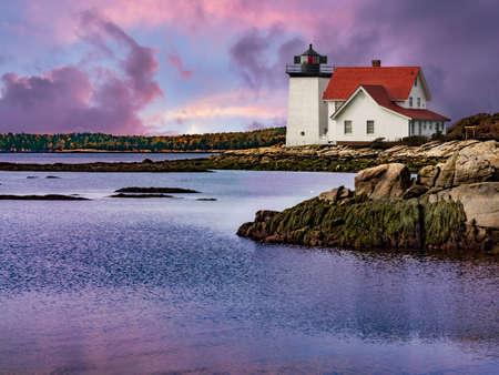 guiding light: Hendricks Head Lighthouse in Maine, USA Stock Photo