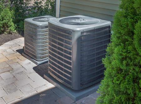 空調暖房とエアコンの住宅ユニットまたはヒートポンプ