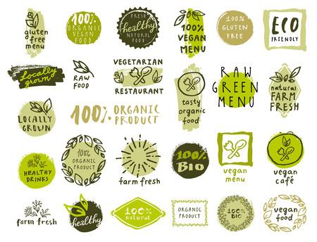 les étiquettes des aliments organiques définis. Vecteur frais icônes d'aliments sains. badges Vintage pour le menu du restaurant ou de l'emballage alimentaire