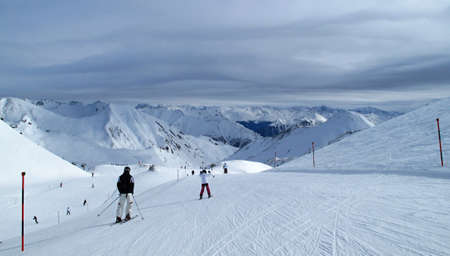 ski slopes: piste da sci in inverno Svizzera