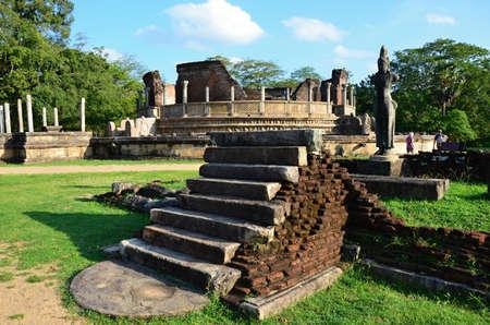 memorable: Polonnaruwa- memorable ruins and sacred place in Sri Lanka