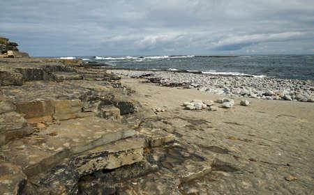Kilkee Beach is a stone beach in the village of Kilkee. 版權商用圖片
