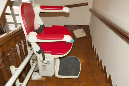 This Represents file stairlift to go upstairs Imagens - 65873340