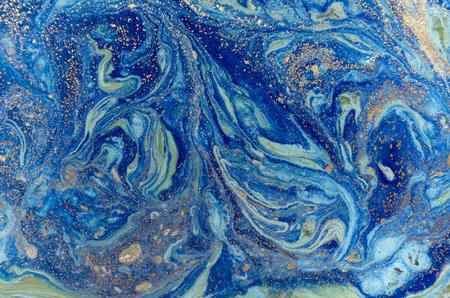 Marmer groene en blauwe abstracte achtergrond met gouden lovertjes. Vloeibaar marmer inktpatroon. Stockfoto - 87674850
