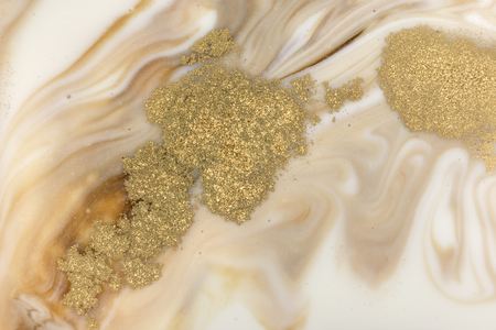 Patrón de marmoleado beige. Textura líquida de mármol dorado