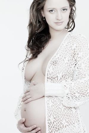 girls naked: Красивые беременная женщина на белом фоне