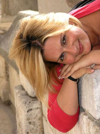 Portrait of young beautiful woman      photo
