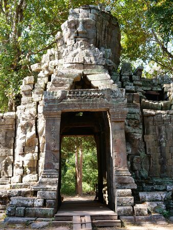 Stone rock door gate ruin at Banteay Kdei, part of the Angkor wat complex in Siem Reap, Cambodia Stock fotó