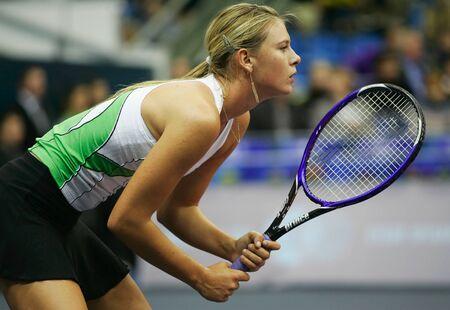 14: Mosc�, Rusia - octubre 14,2005 - la Maria Sharapova rusa en el juego de cuartos de final del torneo de tenis Copa Kremlin el 14 de octubre de 2005 en Mosc�.
